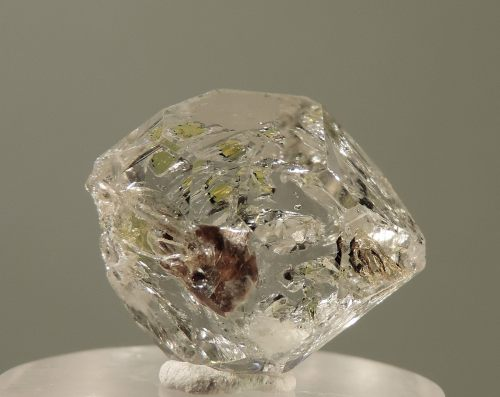 Quartz with Hydrocarbon and Petroleum Inclusions