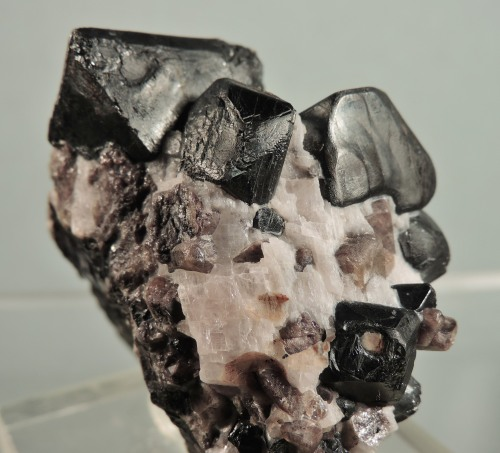 Franklinite with Willemite