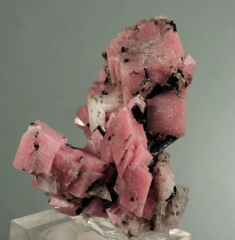 Leifite and Aegerine on Rhodochrosite