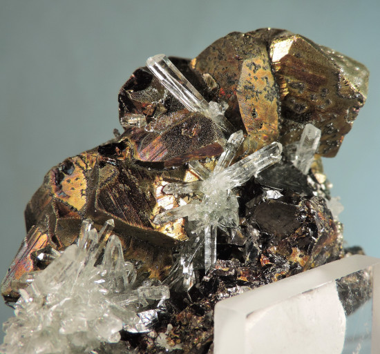 Chalcopyrite on Quartz, Sphalerite