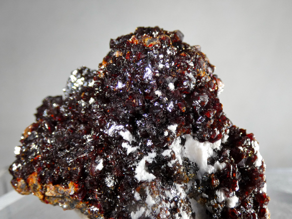 Sphalerite on Marcasite, with Barite
